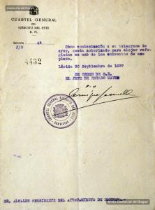 30/9/1937. Ofici de l'exèrcit republicà en què autoritza l'Ajuntament a allotjar refugiats de guerra